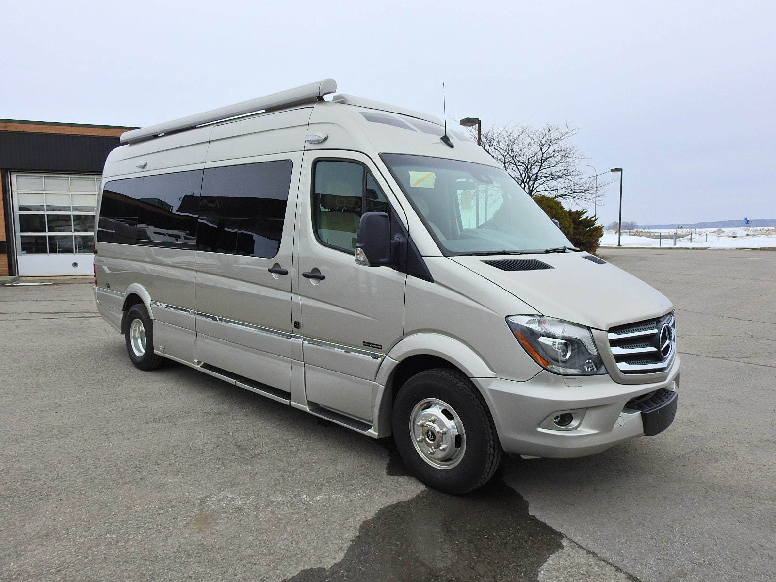Surprising New Used Class B Motorhome Camper Van For Sale In Canada Home Interior And Landscaping Ponolsignezvosmurscom